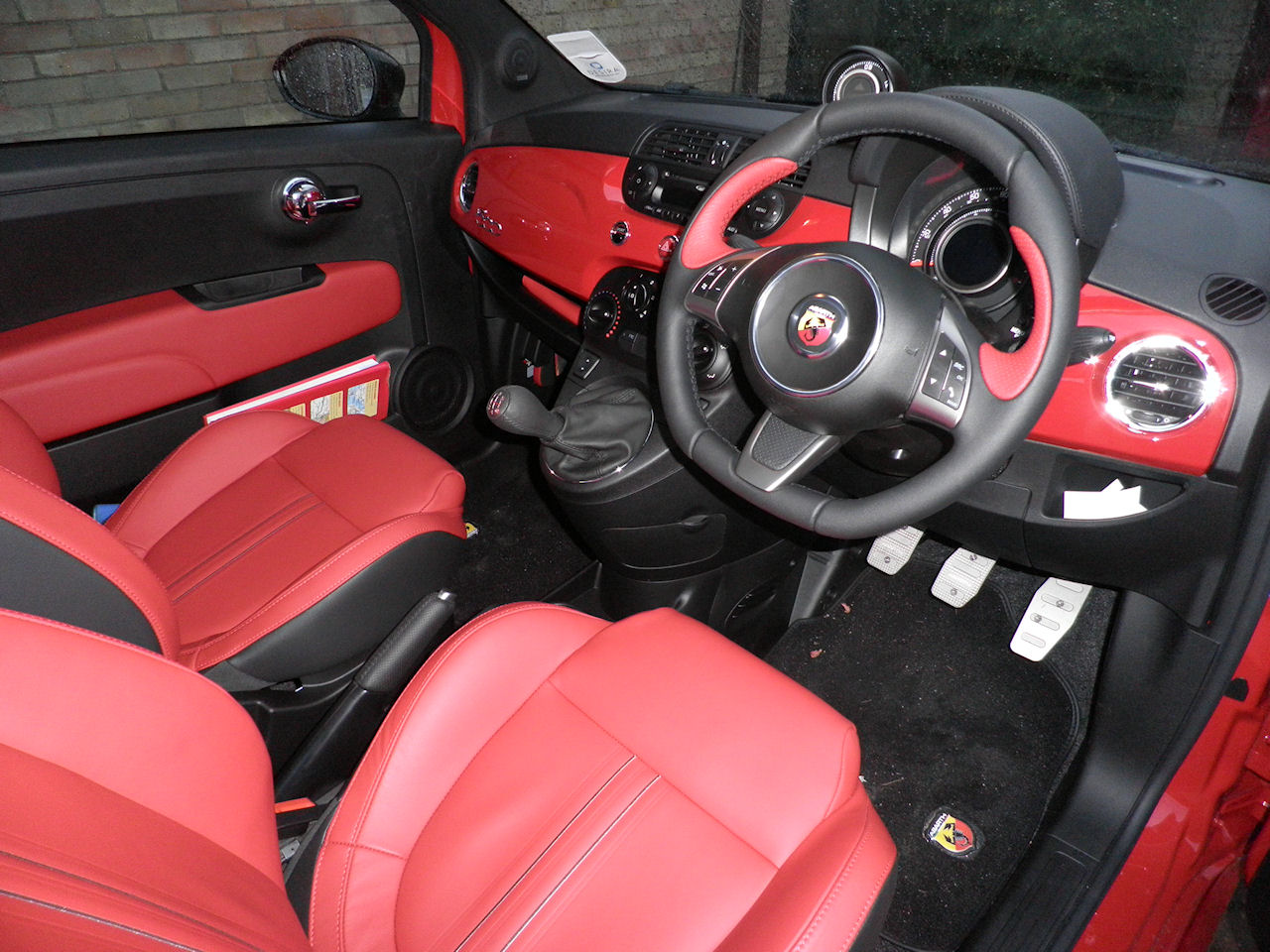 the abarth fun practical and one hooligan of a car and not a fiat 500. Black Bedroom Furniture Sets. Home Design Ideas
