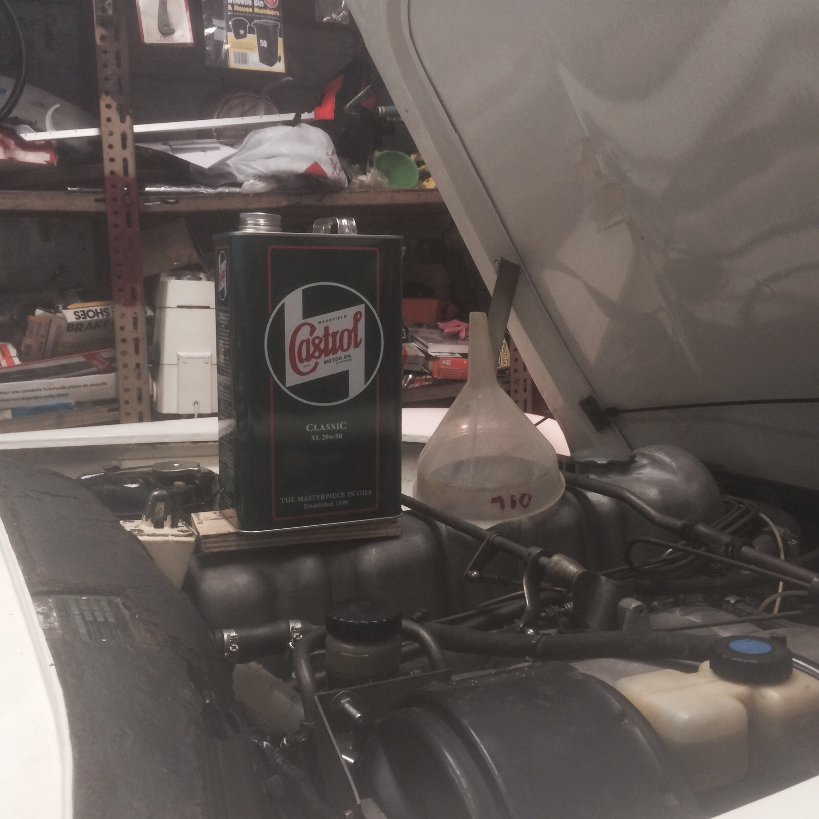 How to choose the right engine oil for your classic car for Motor oil for older cars