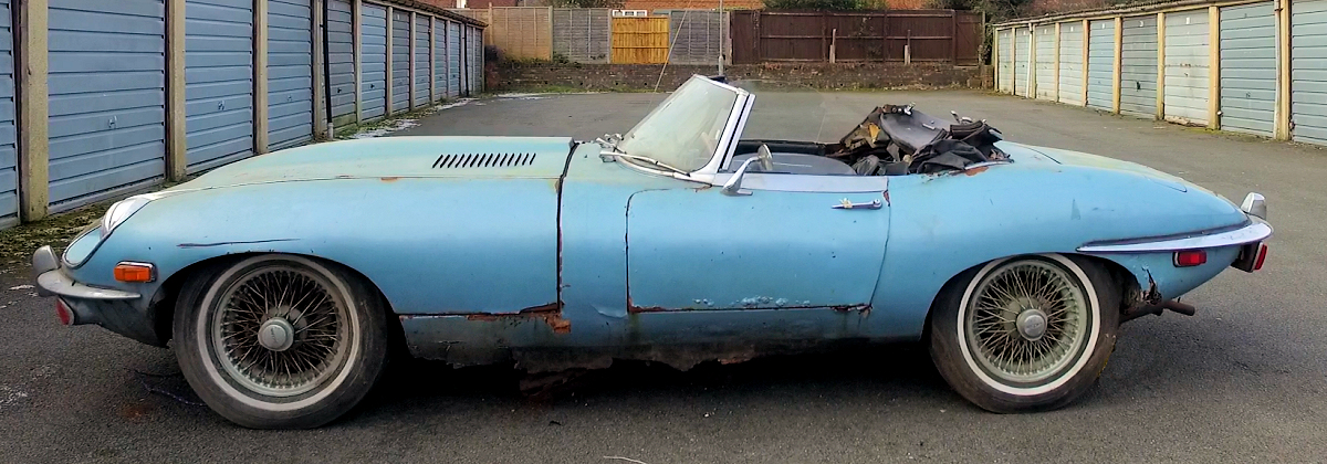 1970 Jaguar E-Type Convertible |